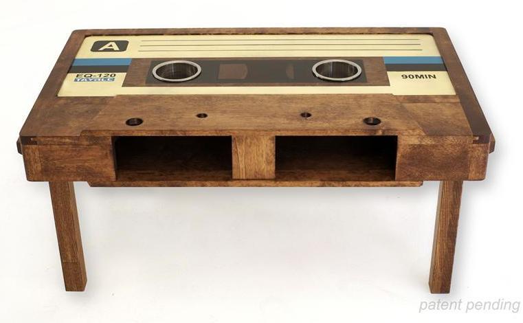 vintage wohnzimmertisch:Das Relikt aus den 80er Jahren wird in Handarbeit aufgelegt. Egal ob