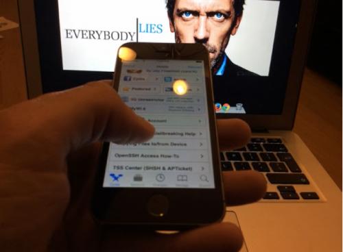 evad3rs iOS 7.0.3