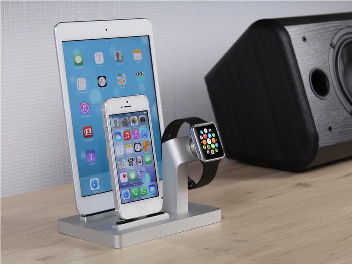 apple watch verpackung im foto und neue lade docks itopnews. Black Bedroom Furniture Sets. Home Design Ideas