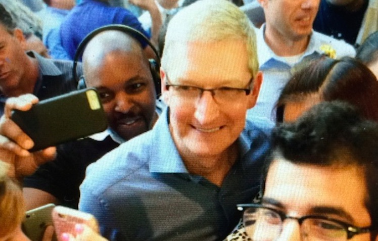 Tim Cook New York Apple Store