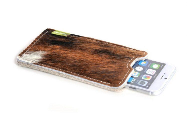 Almwild iPhone Kuhfell Tasche