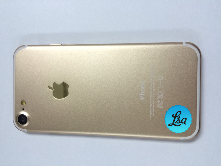 iPhone 7 LetemSvetem 1