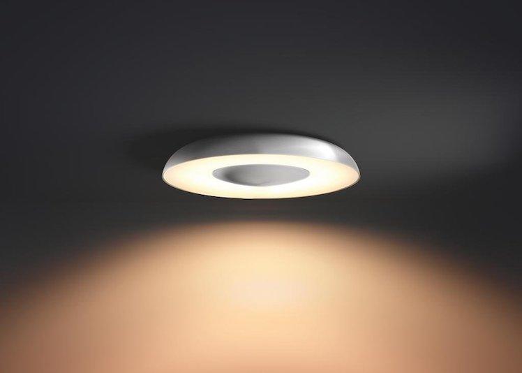 philips hue mit r ckrufaktion leuchten fallen von der decke itopnews. Black Bedroom Furniture Sets. Home Design Ideas