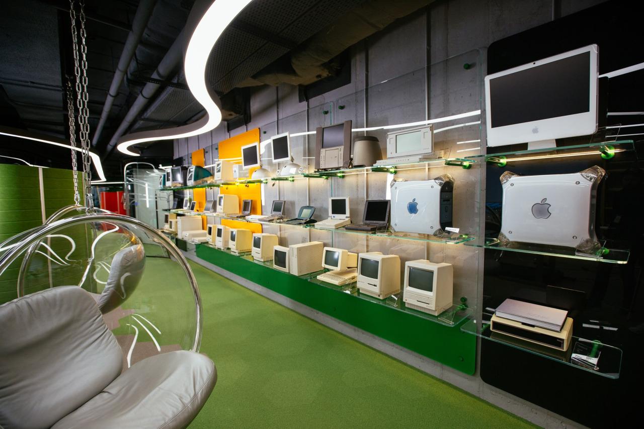 Apple museum mit legend ren macs zieht von new york in die for Office interior design software