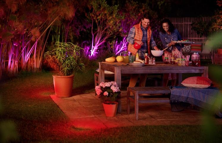 Ab Juli erhältlich: Philips Hue zeigt neue Outdoor-Lampen