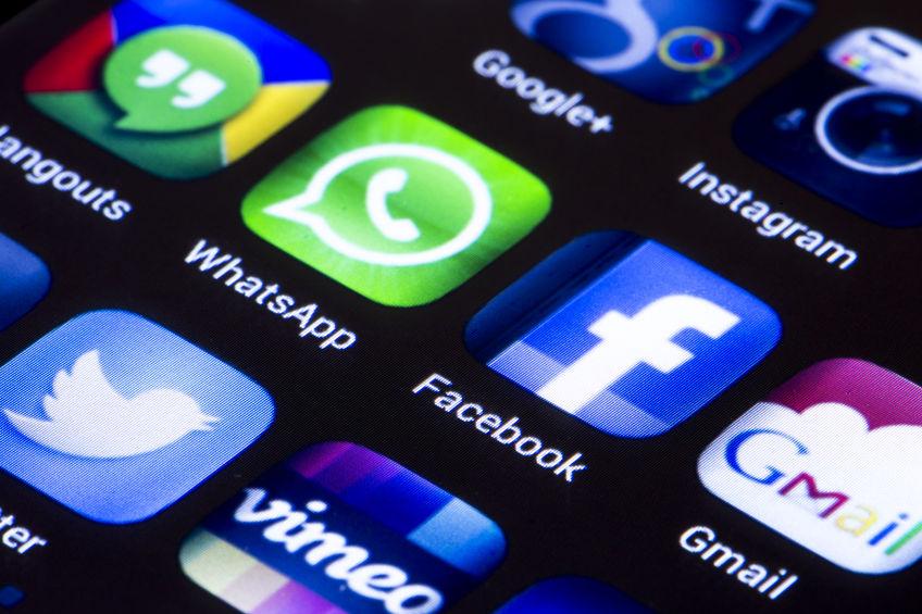 WhatsApp Facebook Instagram Twitter